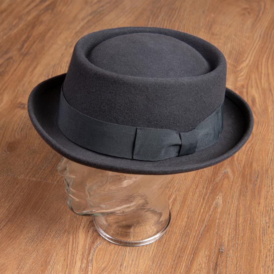 1937 Hobbs Hat (grå Pork Pie-hatt från Pike Brothers)