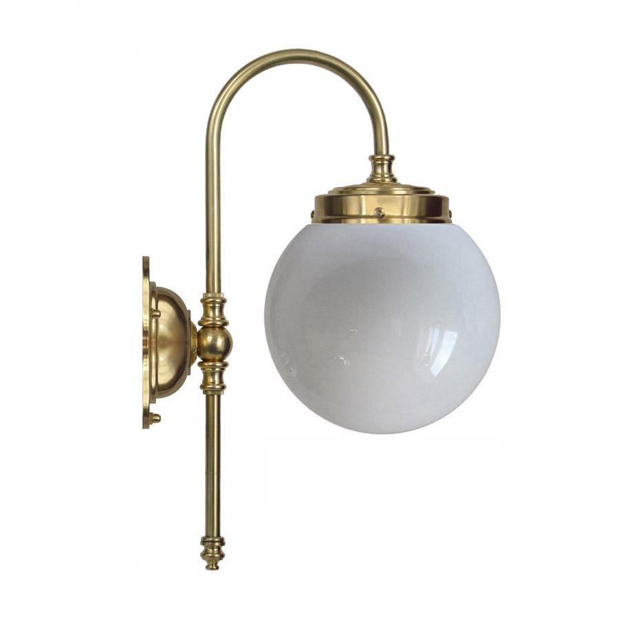 Blomberg 80 mässing med opalvit glob (badrumslampa) [0440M08